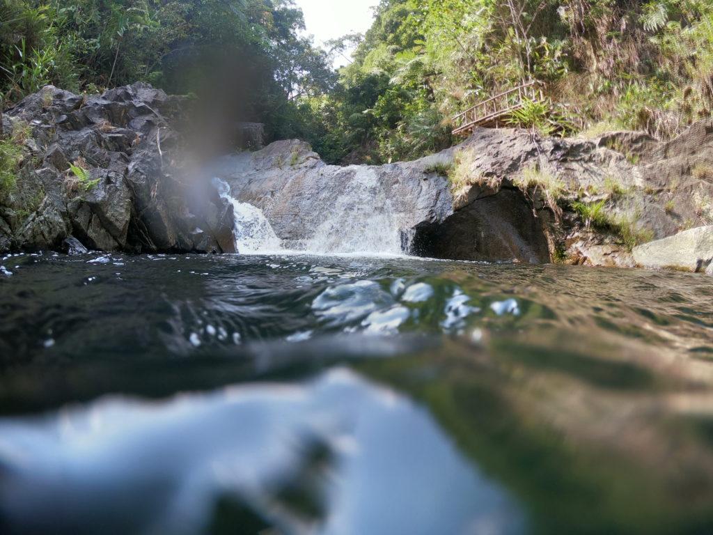 Viele kleine Wasserfälle haben uns auf dem Weg von Hue nach Laos begleitet.
